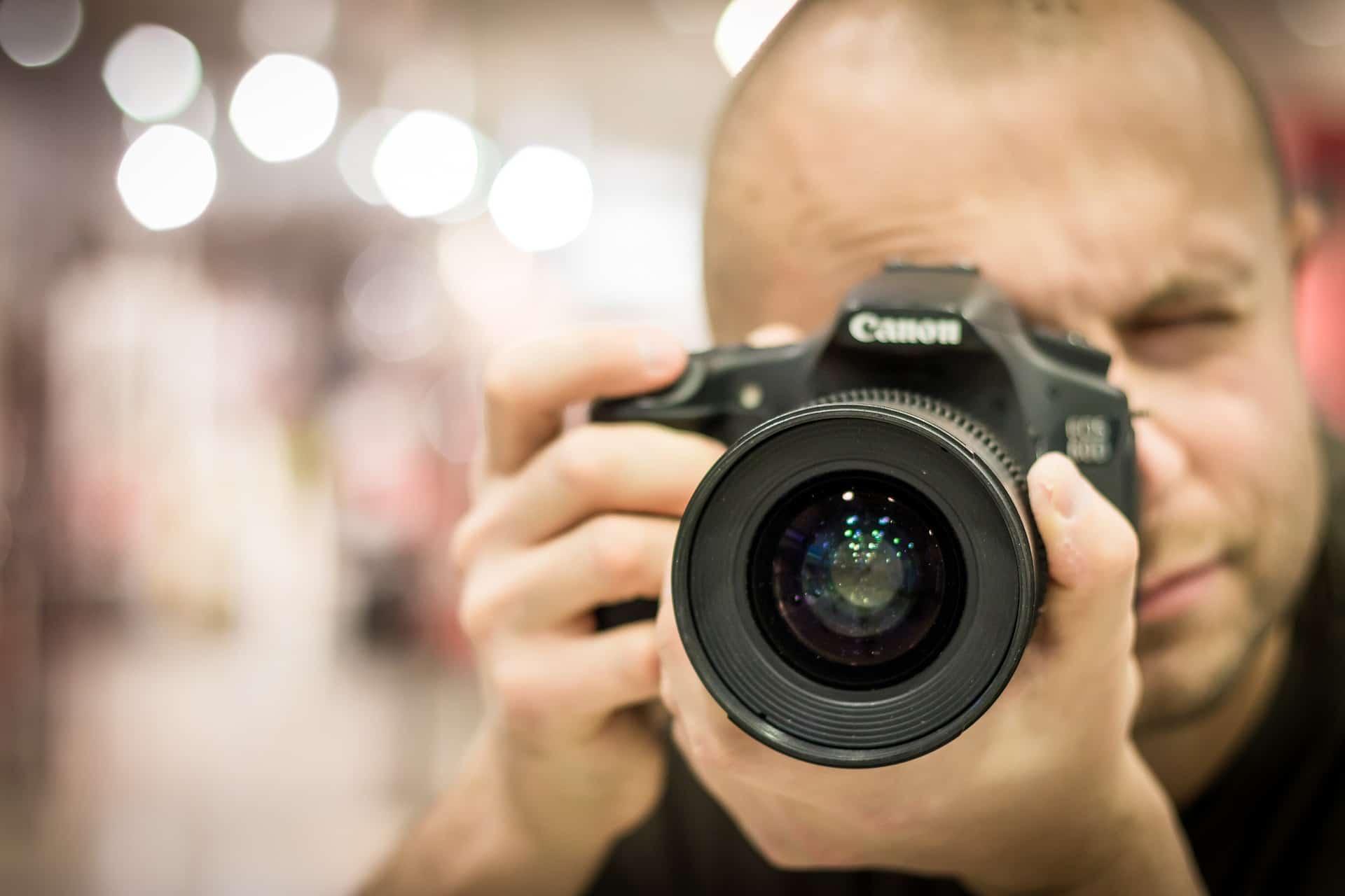 Das Bewerbungsfoto ist der Türöffner für Ihre Bewerbung. Finden Sie den perfekten Bewerbungsfotografen.