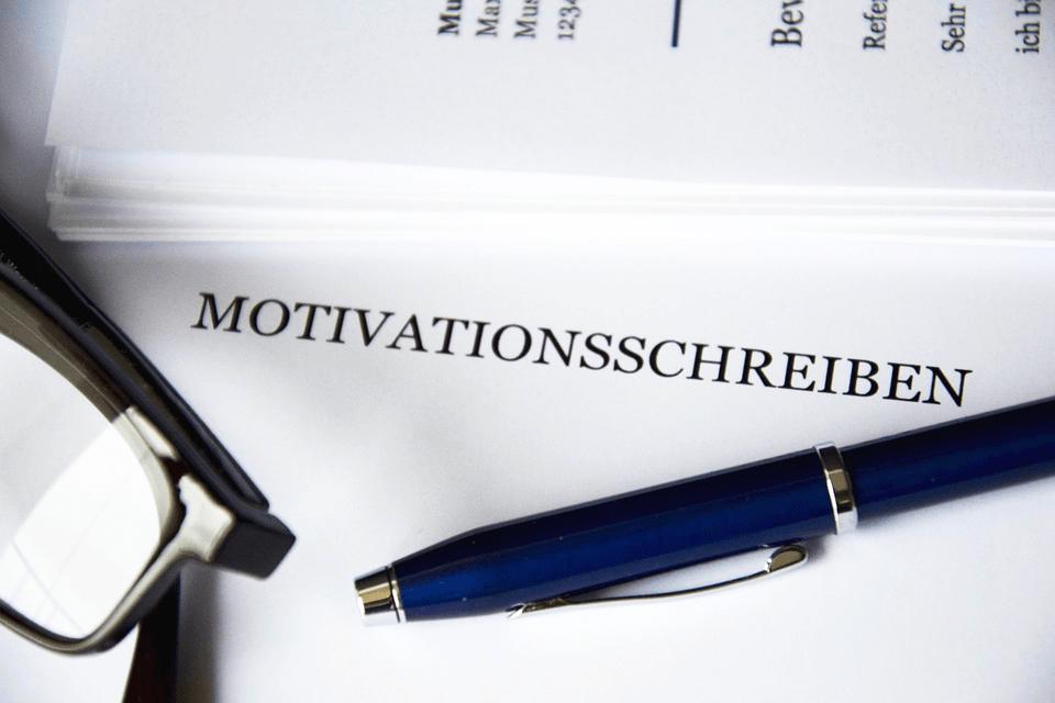 Motivationsschreiben: überzeugen statt langweilen (mit Vorlagen)